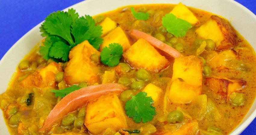 Khoya Matar: Indian Creamy Delight with Green Peas