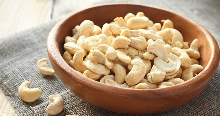 What side-effects of consuming cashews may be expected?