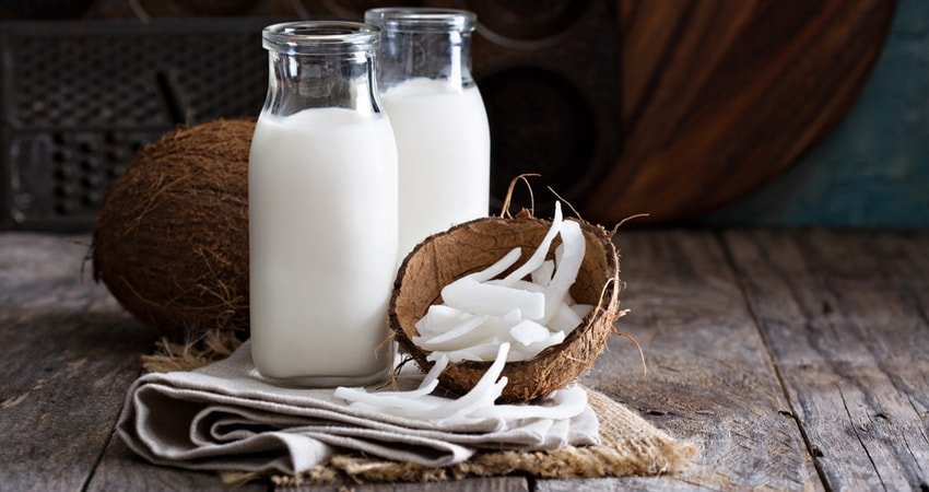 How to Make Coconut Milk from Desiccated Coconut