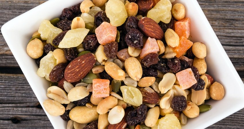 Snacking on nuts and legumes