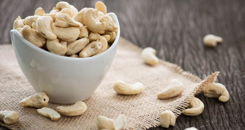 Cashews shells are poisonous
