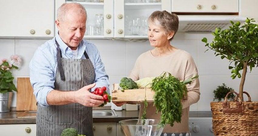 Vegetarian Diet for Seniors: Risks