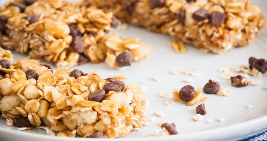 Chocolate-Chip Chewy Bars with No Gluten