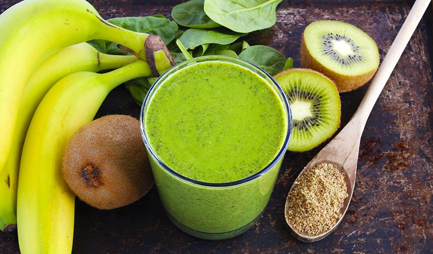 Kiwi Spinach Banana Smoothie