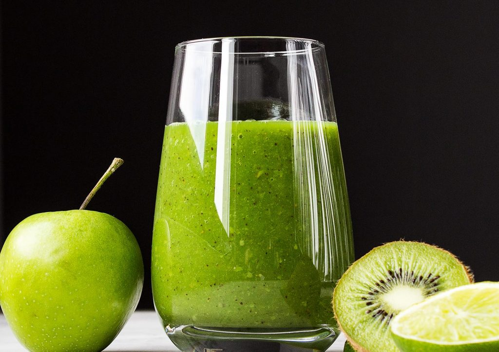 Spinach and Kiwi Green Smoothie