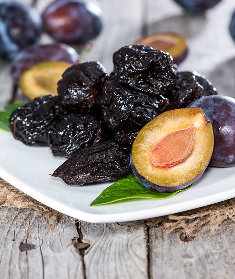 Top 10 Evidence-Based Health Benefits of Prunes