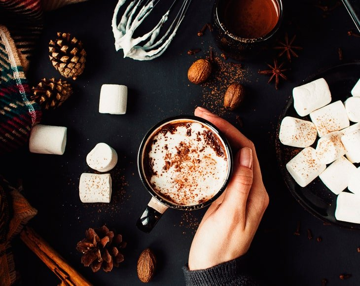 Organic-whole-cloves-hot-chocolate-min