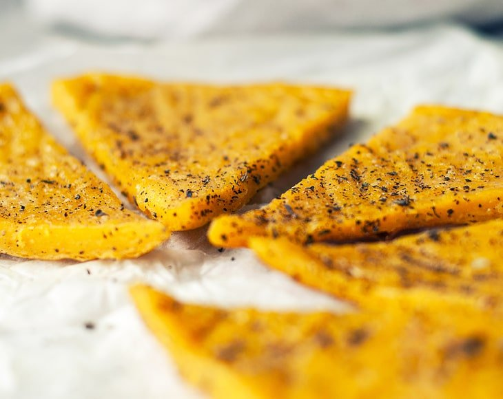 tuscan-chickpea-flatbread-with-black-pepper