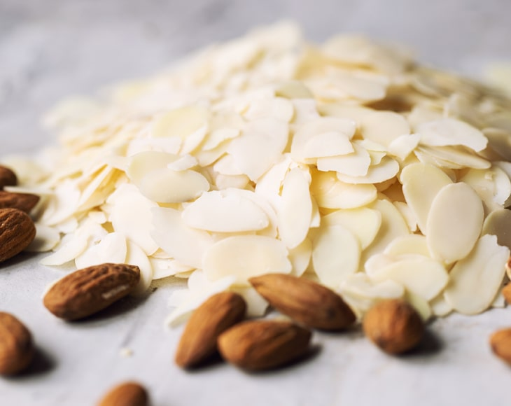 organic-blanched-sliced-almonds3